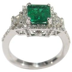 18 Karat Diamond Emerald Ring White Gold