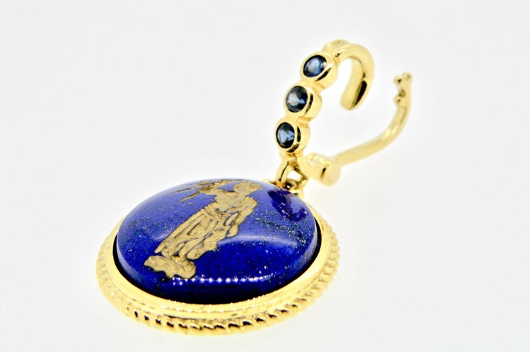 Contemporary 18 Karat Engraved Lapis Lazuli and Sapphire Pendant For Sale