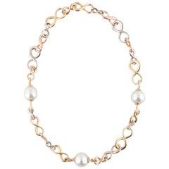 18 Karat Figure Eight Link Pearl Necklace