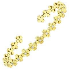 18k Yellow Gold Flexible Flower Cuff