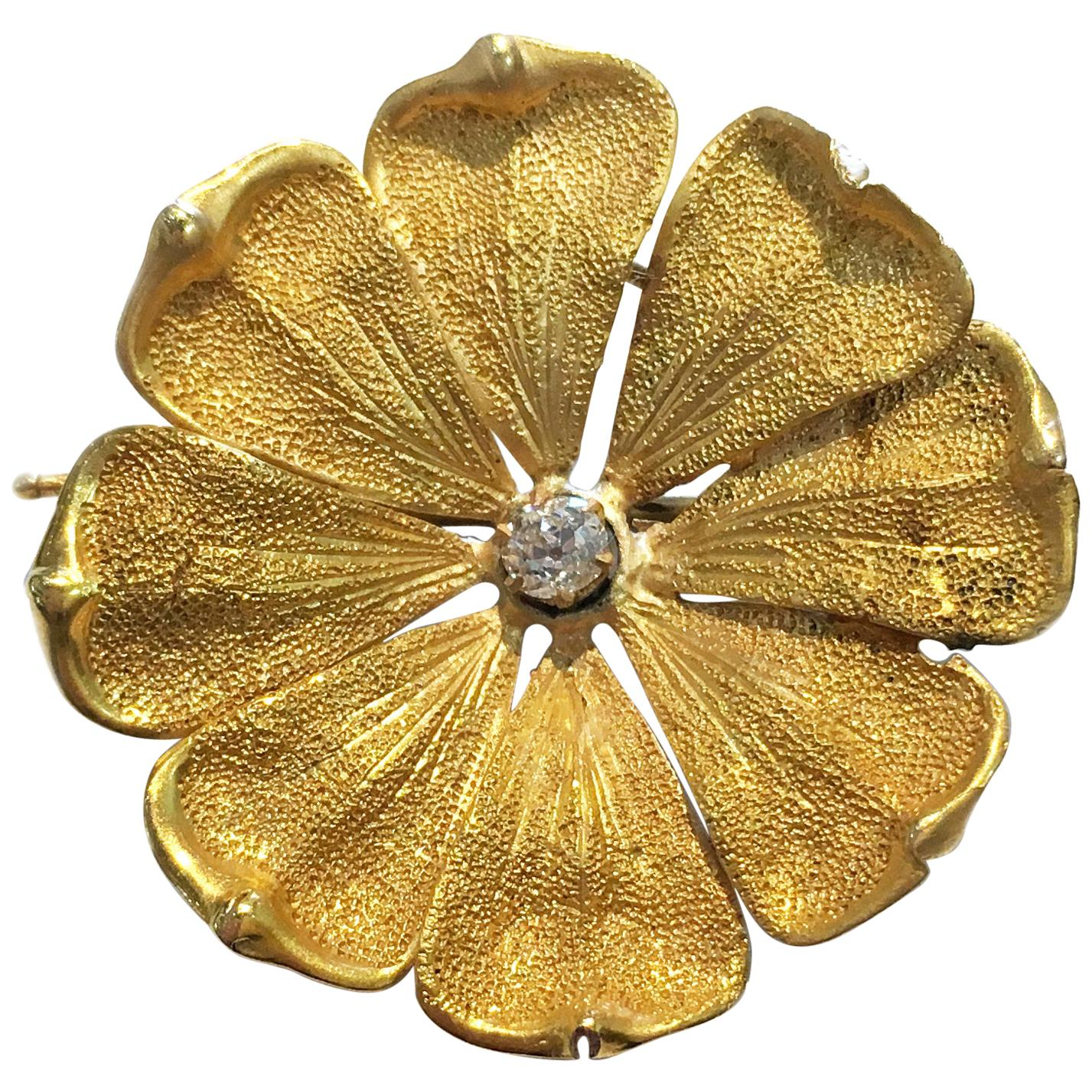 18 Karat Flower Diamond Brooch Pin