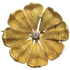 18 Karat Flower Diamond Brooch Pin