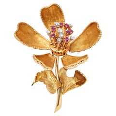 18 Karat French Orchid Diamond Ruby En Tremblant Brooch