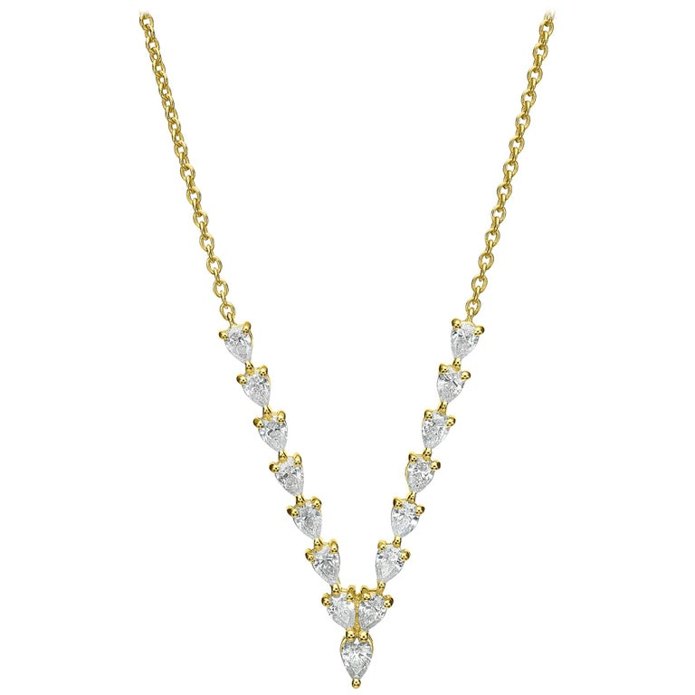 18 Karat Gold, 1.36 Carat, F Color, VS Clarity, V Shape Diamond Pendant Necklace For Sale