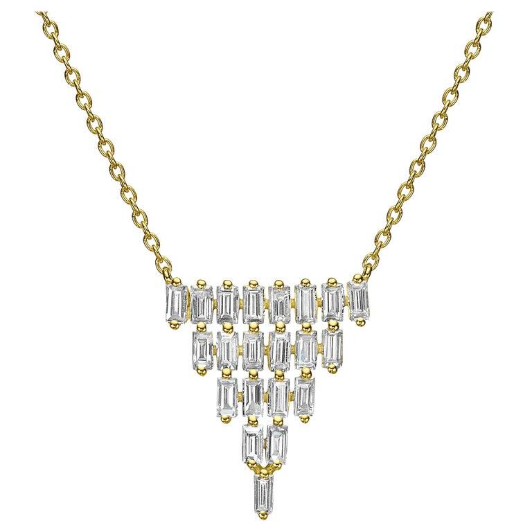 18 Karat Gold 1.59 Carat F Color VS Clarity Multi-Layer Triangle Diamond Pendant For Sale