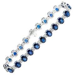 18 Karat Gold 20.29 Carat Oval Solitaire Sapphire and Diamond Tennis Bracelet