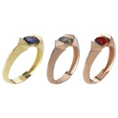 18 Karat Gold 2.1 Carat Green & Blue Sapphire Garnet Oval cut Stacking Ring Set