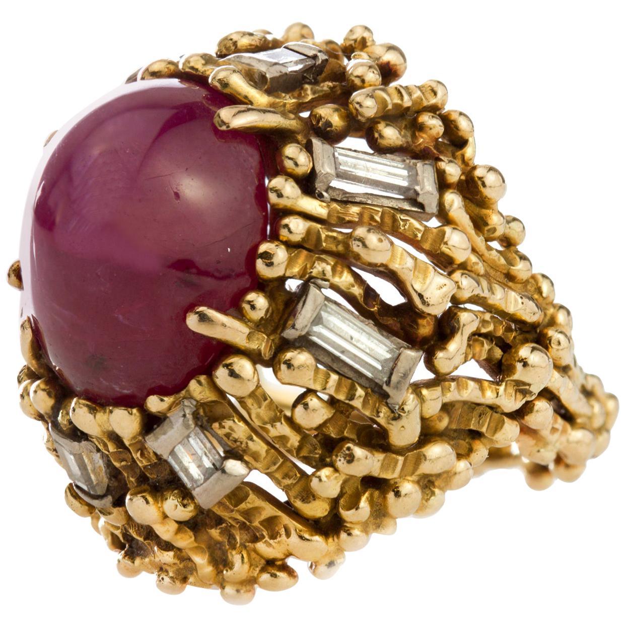 18 Karat Gold 4 Carat Cabochon Ruby Ring