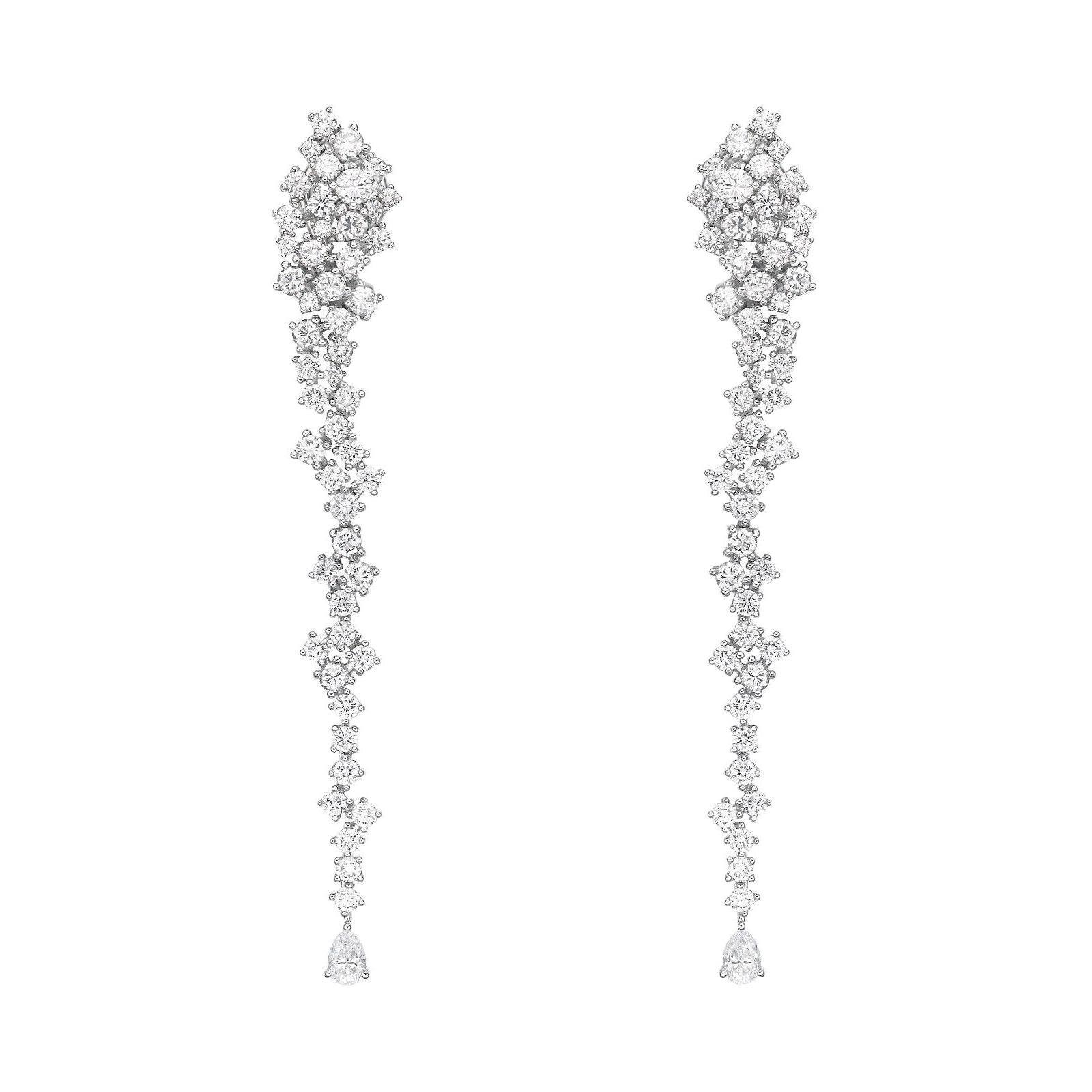 18 Karat Gold, 6.6 Carat, F Color, VS Clarity, Dainty Diamond Earrings