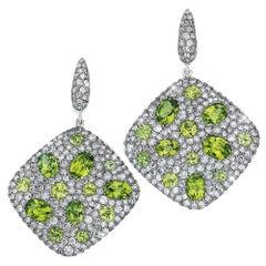 18 Karat Gold, 6.68 Carat Grey Diamonds and 9.54 Carat Peridot Hanging Earrings