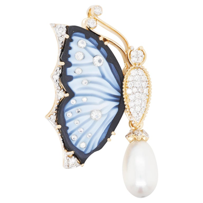 18 Karat Gold Agate Butterfly Carving Diamond Pearl Contemporary Pendant Brooch For Sale