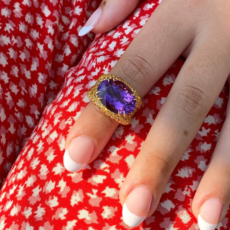Modern 18 Karat Gold Amethyst and Yellow Sapphires Cocktail Ring For Sale