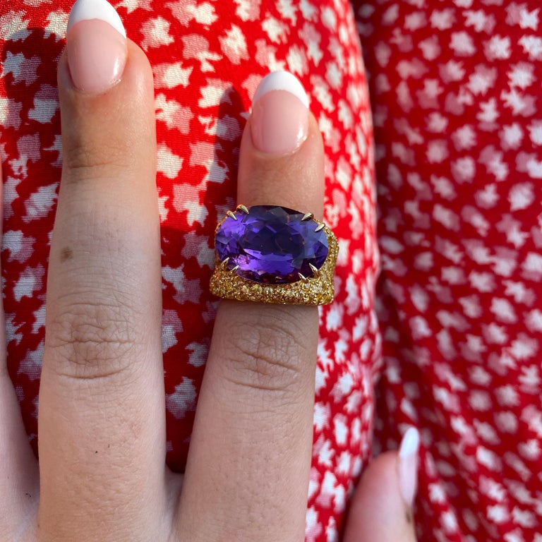 Oval Cut 18 Karat Gold Amethyst and Yellow Sapphires Cocktail Ring For Sale