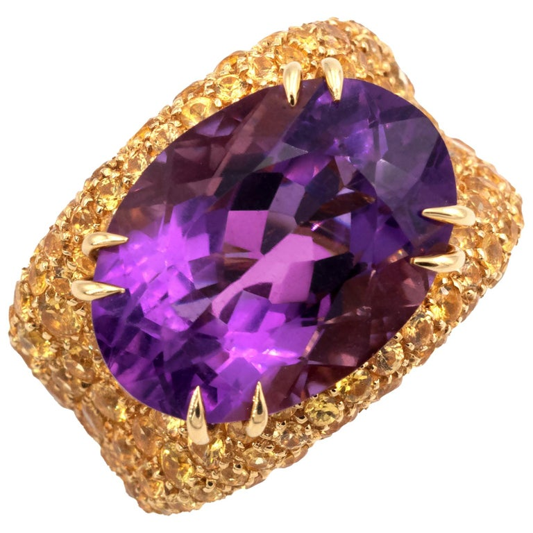 18 Karat Gold Amethyst and Yellow Sapphires Cocktail Ring For Sale