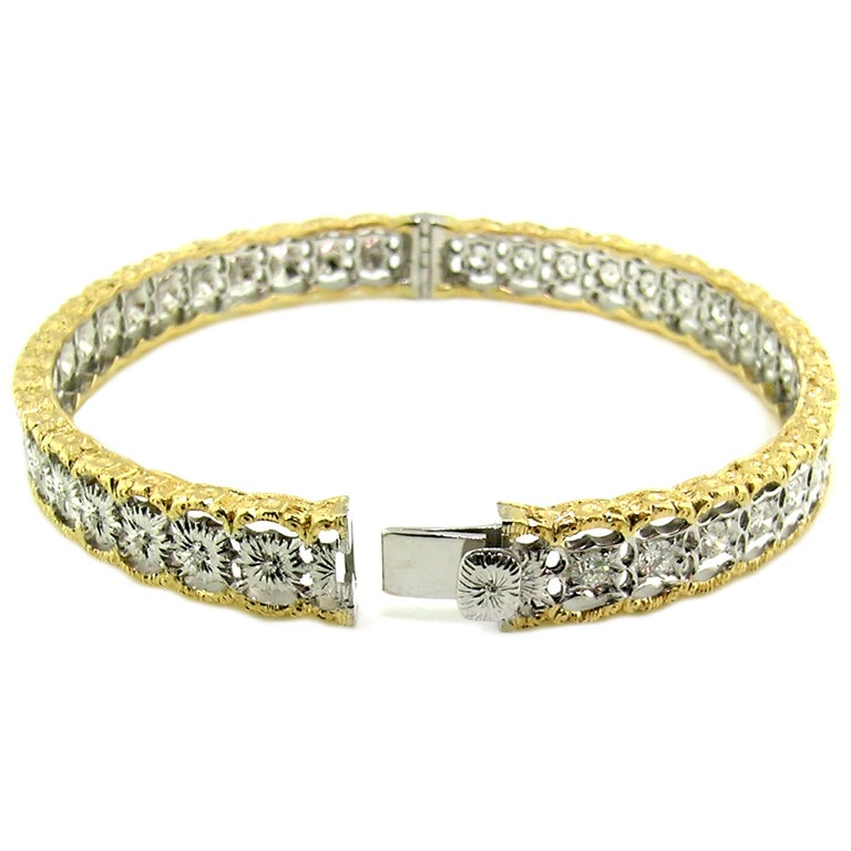 Round Cut 18 Karat Gold and 1.00 Carat Diamond Hand Engraved Bangle, Handmade in Italy For Sale