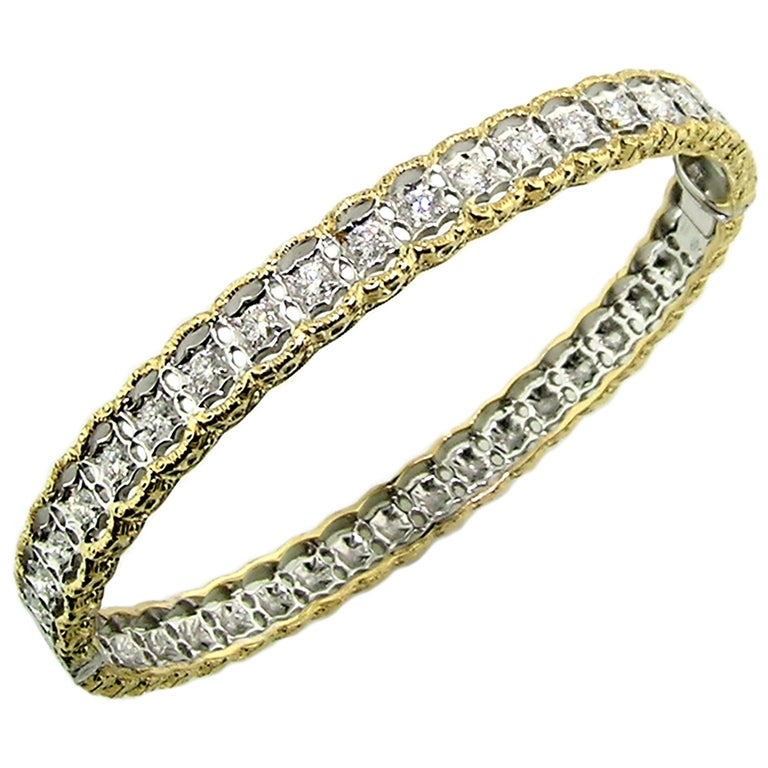 18 Karat Gold and 1.00 Carat Diamond Hand Engraved Bangle, Handmade in Italy For Sale