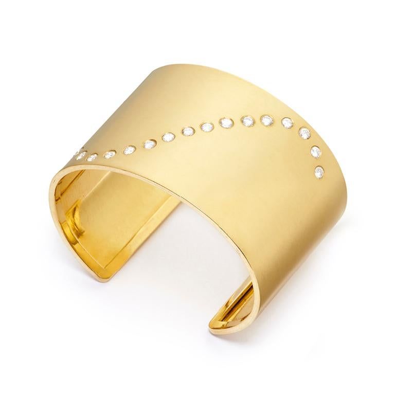 Modern 18 Karat Gold and 1.66 Carat Diamond Wave Cuff For Sale