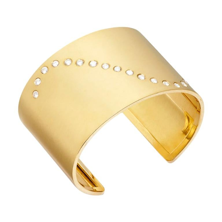 18 Karat Gold and 1.66 Carat Diamond Wave Cuff For Sale