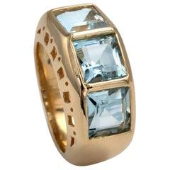 18 Karat Gold and Aquamarine Ring