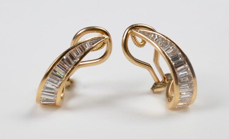 Modern 18 Karat Gold and Baguette Diamond Clip on Earrings For Sale