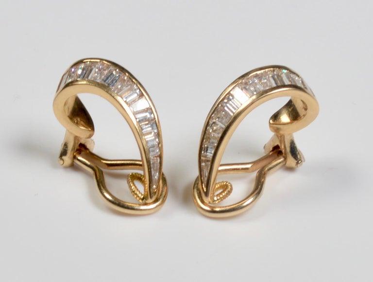Women's 18 Karat Gold and Baguette Diamond Clip on Earrings For Sale