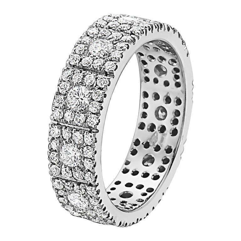 18 Karat Gold and Diamond Halo Wedding Band For Sale