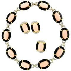 18 Karat Gold Angel Skin Coral Black Onyx Diamond Ring Necklace Earrings Set