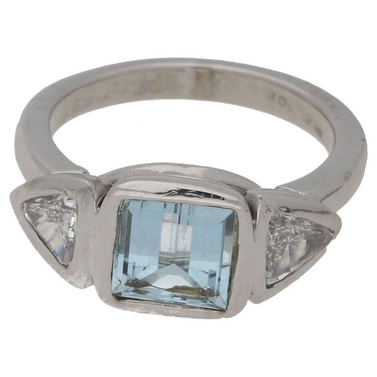 18 Karat Gold Aquamarine Diamond Modernist Ring