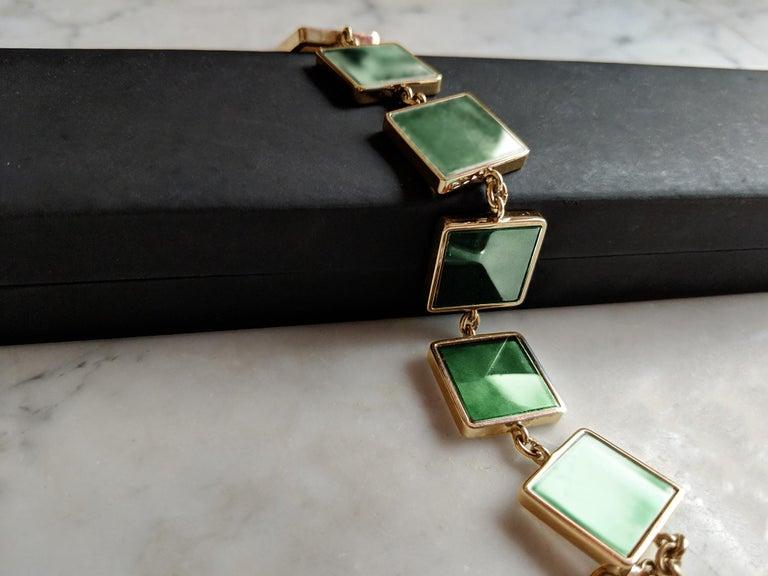 18 Karat Gold Art Deco Bracelet with Dark Green Quartzes, Featured in Vogue In New Condition For Sale In Berlin, Berlin