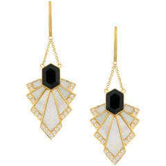 18 Karat Gold Art Deco Dangle Earrings with Black Onyx and Mother of Pearl