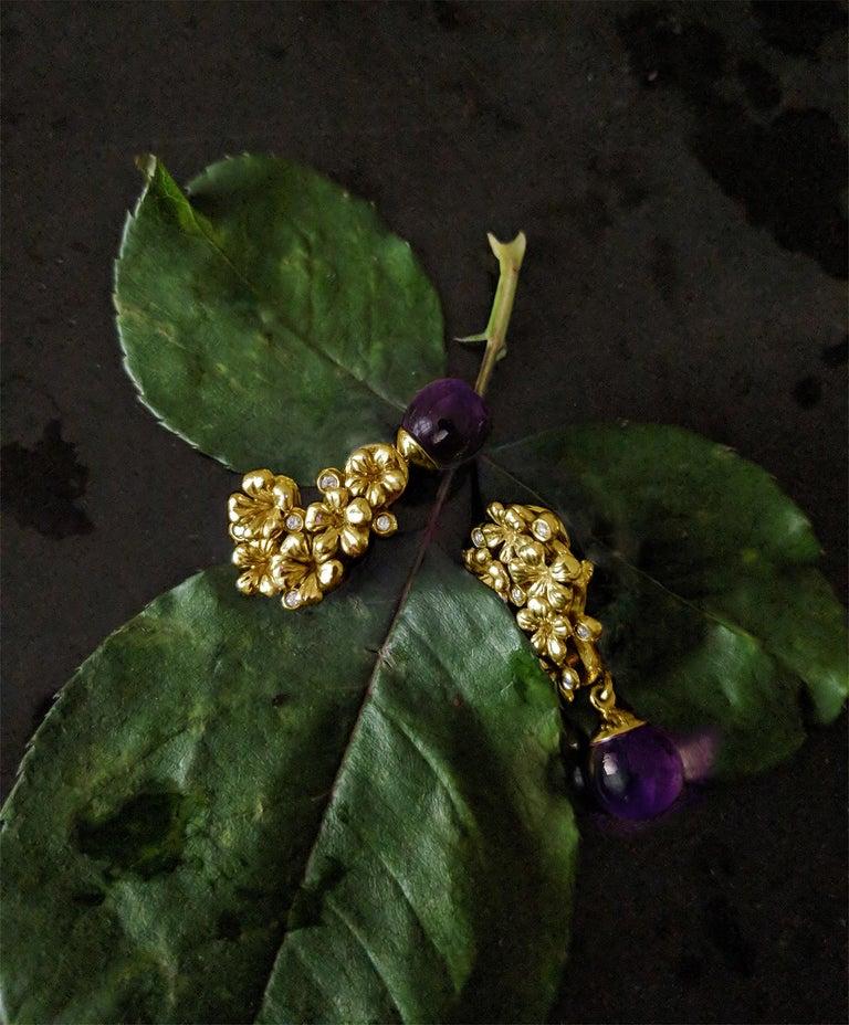 Women's 18 Karat Gold Modern Plum Blossom Cocktail Clip-On Earrings with Diamonds For Sale