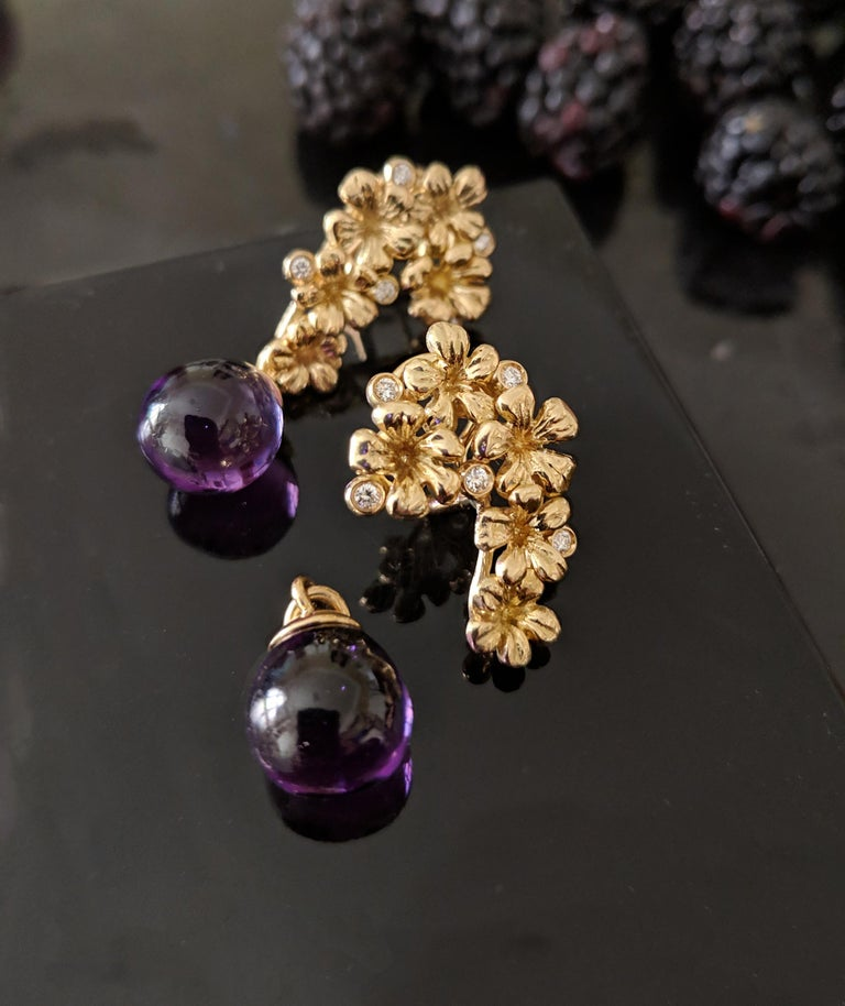 18 Karat Gold Modern Plum Blossom Cocktail Clip-On Earrings with Diamonds In New Condition For Sale In Berlin, DE