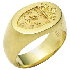 18 Karat Gold Ashley Oval Signet Ring with Custom-Designed, Hand-Engraved Crest