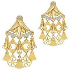 18 Karat Gold Baguette-Cut and Pavé-Set Diamond Lotus Chandelier Earrings