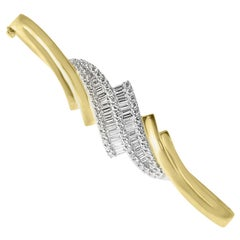 18 Karat Gold Bangle Bracelet Set with Brilliant and Baguette Cut Diamonds