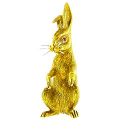 18 Karat Gold Bunny Rabbit brooch, circa 1960