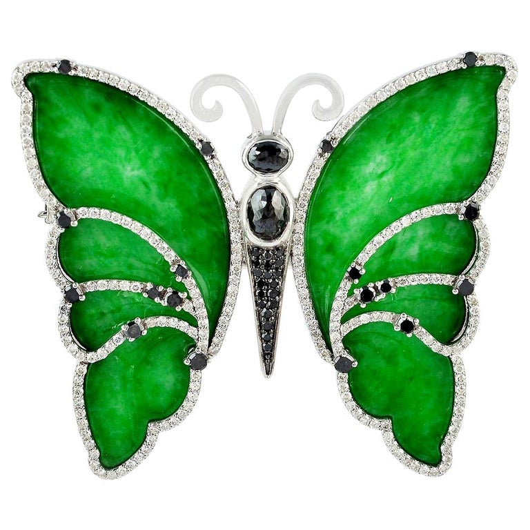 18 Karat Gold Butterfly Jade Diamond Brooch For Sale