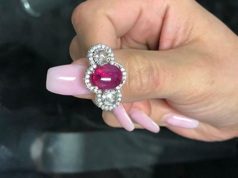 18 Karat Gold Cabochon Ruby Diamond Cocktail Ring Weighing 8.85 Carat In New Condition For Sale In New York, NY