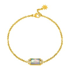 18 Karat Gold Chain Link Bracelet with Opal and Diamonds