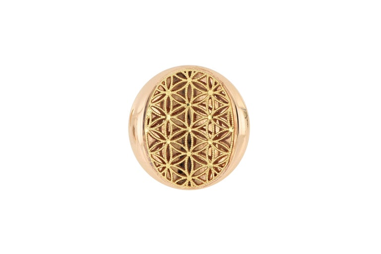 Contemporary 18 Karat Gold Cocktail Ring For Sale
