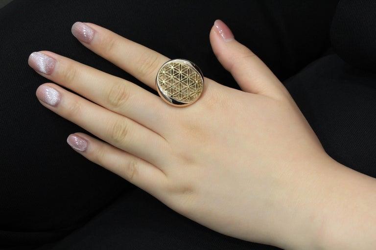 18 Karat Gold Cocktail Ring For Sale 1