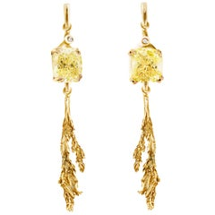 18 Karat Gold Contemporary Clip-On Earrings with 4.02 Carat Yellow Diamonds