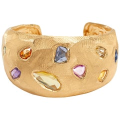 18 Karat Gold Cuff Bracelet with over 10 Carat of Sapphires