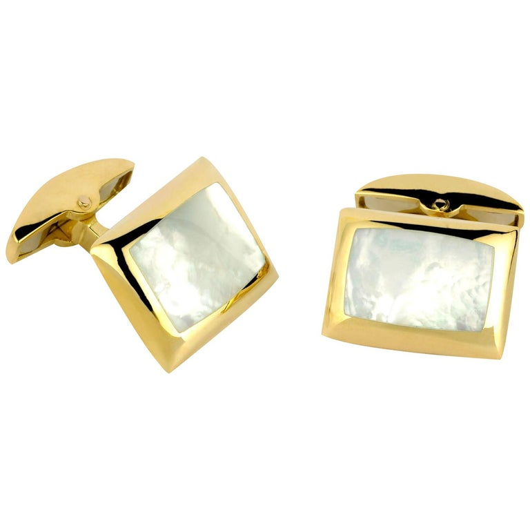 Deakin & Francis 18 Karat Gold Cushion Cufflinks with Mother of Pearl Inlay For Sale
