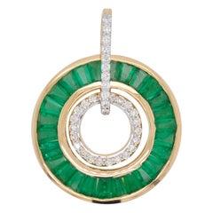 18 Karat Gold Art-Deco Style Tapered Baguettes Emerald Diamond Circular Pendant
