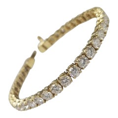 18 Karat Gold Custom Made Tennis Bracelet with 38 Round Diamonds 9.50 Carat