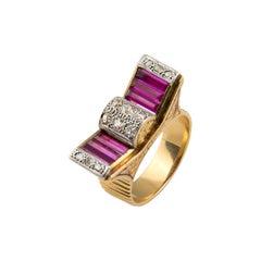18 Karat Gold Diamonds Red Stones Retro Ring