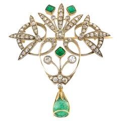 18 Karat Gold Early 20th Century Emeralds Diamonds Brooch