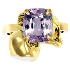 18 Karat Gold Flower Engagement Ring with 1.34 Carat Purple Cushion Spinel