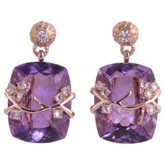 18 Karat Gold Gr. 10.10, White Diamonds Carat 0.89 Amethyst Carat 44.10 Earrings